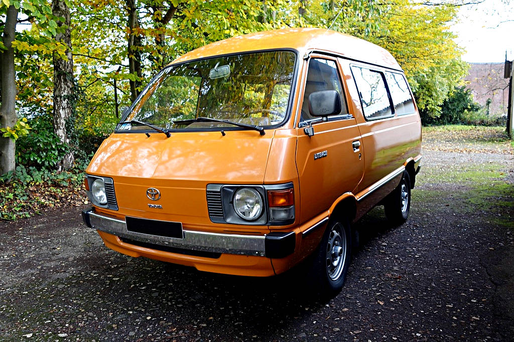 Wagner Classics Youngtimer Oldtimer Automobile - Toyota LiteAce Deluxe Wagon